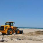 Comencen les tasques d'extracció de sorra de la platja de Torredembarra