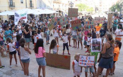 Pares i alumnes de l'escola Arrabassada a Tarragona reclamen que s'enllesteixi aviat el nou edifici