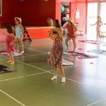 Dansa (amb mascareta) per combatre la calor al Casal de dansa del Morell