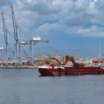 El Port acaba la banqueta de fonamentació i ja està a punt per l'enrasat del fons marí del moll de Balears
