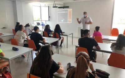 41 nois i noies van participar al curs intensiu d'entrenador de bàsquet de Nivell 0 a Tarragona