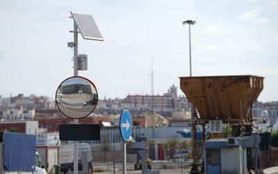 El Port instal·la els primers senyals d'encreuament intel·ligent a l'espai portuari