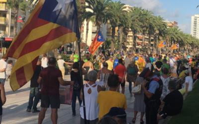 Prop de 250 persones participen a la concentració independentista de Salou