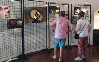 La Torre del Port de Cambrils acull una exposició antològica del fotògraf Joaquim Cabezas