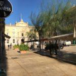 Sensacions de confinament el primer matí amb bars i restaurants tancats