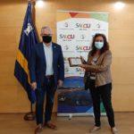 Salou lliura una placa a la professora de l'Institut Marta Mata Llum Viruete, amb motiu de la seva jubilació