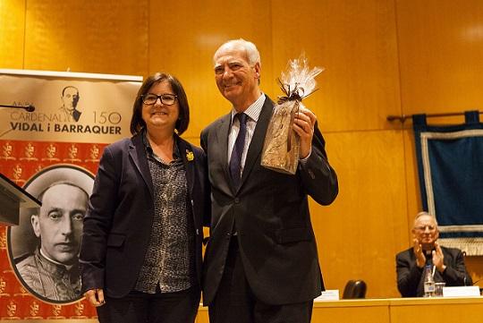 L'Ajuntament de Cambrils acorda concedir una Medalla d'Honor a Josep Maria Panicello