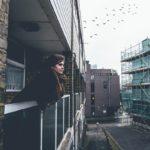 Dones, solters, adolescents i joves són les persones que viuen pitjor el confinament, segons un estudi de la URV