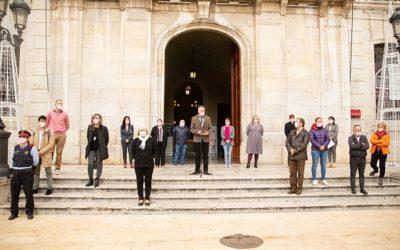 L'Ajuntament de Tarragona commemora el 25-N amb la lectura d'un manifest i un minut de silenci