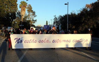 Més de 150 persones tallen l'N-340 per exigir més seguretat als barris de Ponent de Tarragona