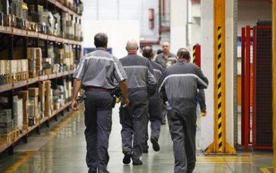La bretxa salarial entre directius i empleats se segueix eixamplant i supera els 5.300 euros bruts mensuals a Catalunya