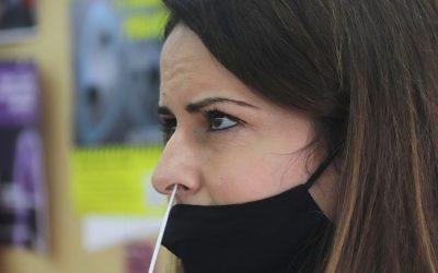 Més de 14.000 professionals de centres educatius del Camp de Tarragona podran participar al cribratge amb automostra