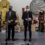 L'essència del Carnaval llueix a l'exposició gratuïta al Refugi 1 del Moll de Costa