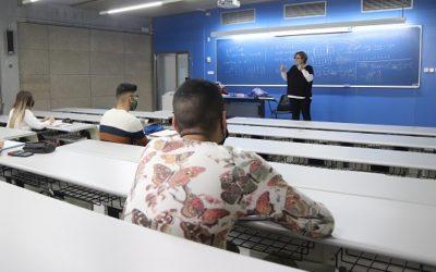 Salut anuncia cribratges massius a les universitats catalanes del 7 al 30 d'abril