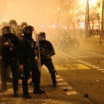 Catalunya s'incendia per la detenció de Pablo Hasél: 15 detinguts i 17 mossos ferits