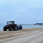 Les platges de Torredembarra es posen a punt per rebre la Setmana Santa