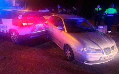 Un conductor de 24 anys obliga a mobilitzar tres cossos policials abans de ser detingut a Altafulla topant amb cotxe patrulla