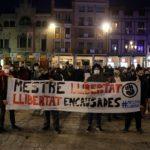 Prop d'un centenar de persones es concentren a Reus en suport al noi empresonat a Granada