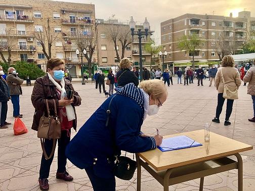 Els veïns de Bonavista inicien una campanya de recollida de signatures massiva per reclamar millores al CAP