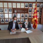 L'Ajuntament de Vilallonga signa un conveni de 10.000 euros amb Repsol per l'organització d'actes culturals