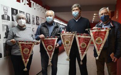 La Confraria de Sant Magí cedeix banderins històrics al Museu