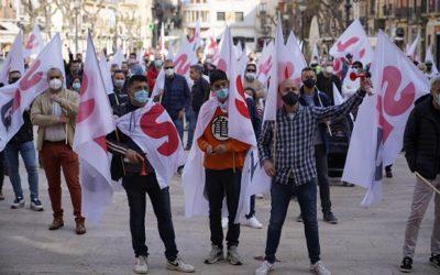 Treballadors de la petroquímica es manifesten a Tarragona per reclamar un pla per a la viabilitat futura del sector