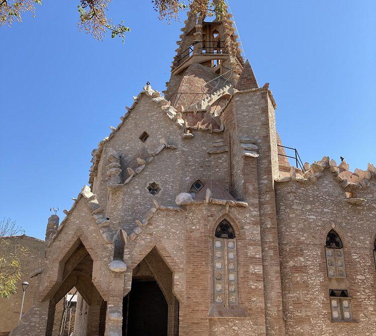 Acaba la restauració de les façanes de l'església jujoliana de Vistabella