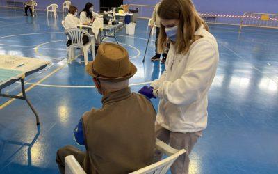 El 15% de la població ha rebut la primera dosi de la vacuna al Camp de Tarragona i el 5,3% les dues