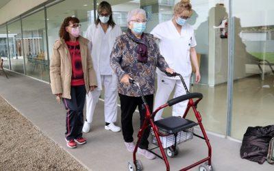 Un nou servei de l'Hospital Sociosanitari Francolí de Tarragona ensenya a prevenir caigudes greus a la gent gran