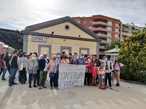 Els defensors de l'estació de Cambrils demanen una intervenció 'urgent' per evitar que es degradi