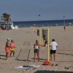 Torredembarra posa en marxa, per segon any, la figura del dinamitzador esportiu a la platja de la Paella
