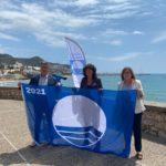 Cambrils recull les quatre Banderes Blaves que acrediten la qualitat de les seves platges
