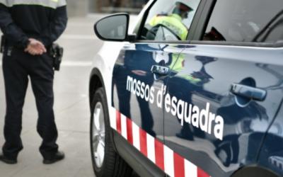 Dues dones detingudes al carrer Alt del Carme de Reus per esbatussar-se entre elles i als Mossos