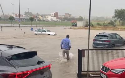 Els Bombers reben 53 avisos en només una hora per l'aiguat sobre Reus