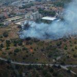 Estabilitzat l'incendi declarat darrere de l'institut de Torredembarra