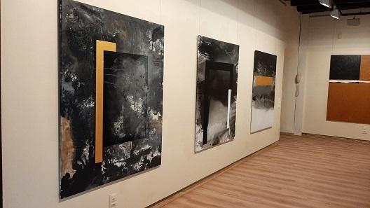 L'obra del pintor Carles Pujol es pot admirar a la Torre Vella de Salou fins al 28 d'agost