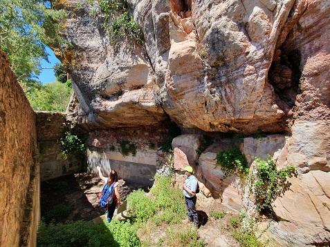 Nous itineraris guiats permeten la descoberta de l'entorn natural del Castell Monestir d'Escornalbou