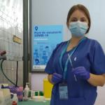Mig centenar d'estudiants de la URV col·laboren en la vacunació massiva