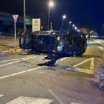 Espectacular accident a Reus, sense ferits però amb un detingut per suplantar la identitat del conductor