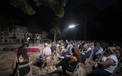 El Cementiri de Reus posa música al record als morts en el darrer any