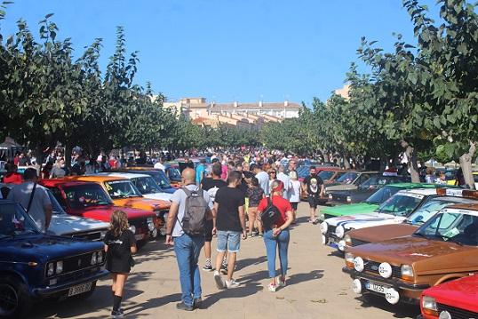 Èxit de participació a la Cinquena Trobada de Vehicles Clàssics a Creixell