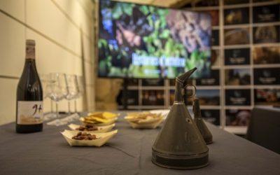 Tarragona fa una festa de treure l'embut del vi novell