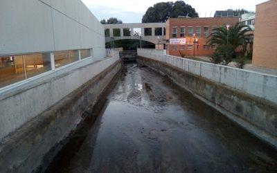 L'Ajuntament de Tarragona neteja la Riera de Riu Clar