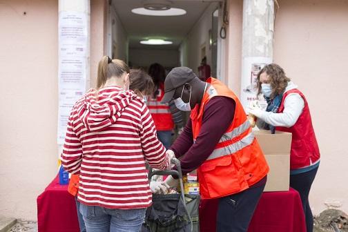 Creu Roja Tarragona distribueix 371.000 quilos d'aliments a 18.300 persones en situació de vulnerabilitat