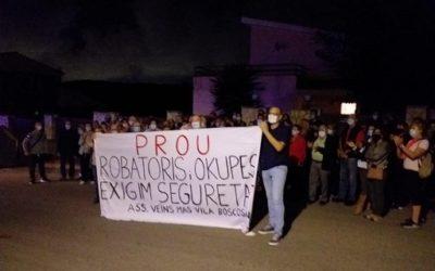 Els veïns de Boscos no aturaran la pressió per a desallotjar els okupes del carrer Oreneta